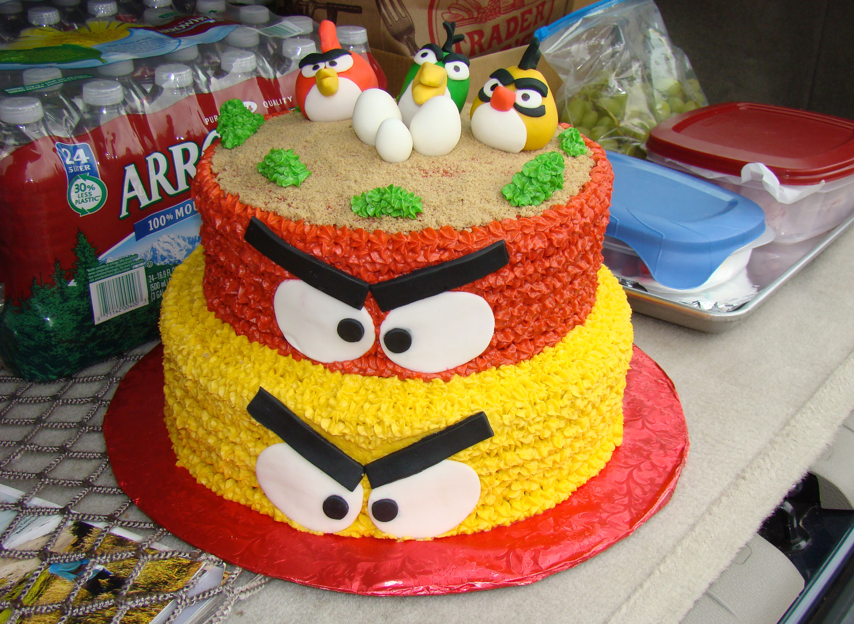 Images Of Angry Birds Cake : Many Means: ANGRY BIRDS BIRTHDAY CAKES : Do you wanna your ...